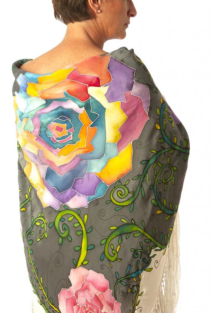 Mantón flores crepe georgette pintado a mano
