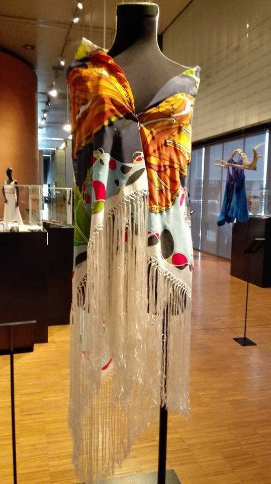 Manton de manila crepe georgette. Exposición Museo del Traje